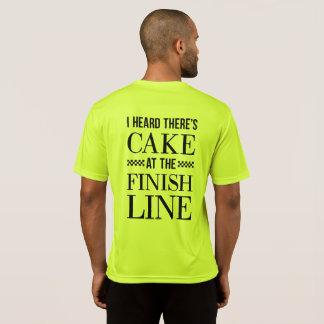 Bolo na camisa do corredor do meta