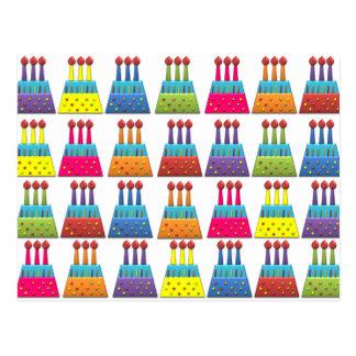 Bolos de aniversário do arco-íris do partido do cartão postal