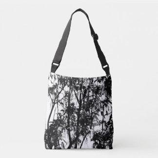 Bolsa Ajustável A árvore mostra em silhueta o branco do preto do