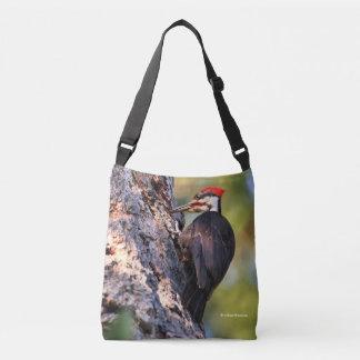 Bolsa Ajustável Pica-pau bonito de Pileated na árvore