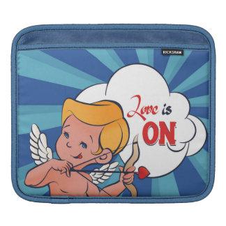 Bolsa De iPad O amor da volta do arqueiro do Cupido está no pop