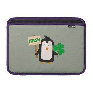 Bolsa De MacBook Air Pinguim irlandês com trevo Zjib4