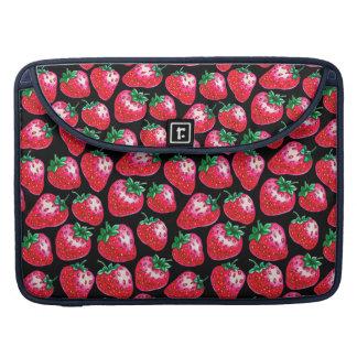 Bolsa MacBook Pro Morango vermelha no fundo preto