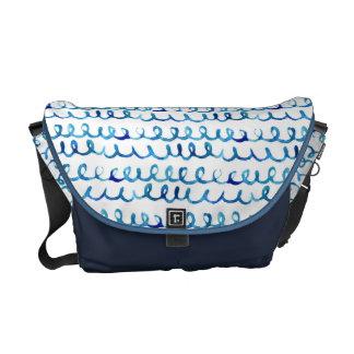 Bolsa Mensageiro Teste padrão ondulado da aguarela azul pintado mão