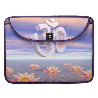 Bolsa Para MacBook Aum - OM em cima dos waterlilies - 3D rende