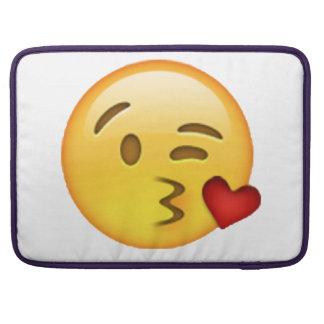 Bolsa Para MacBook Emoji - beijo de jogo