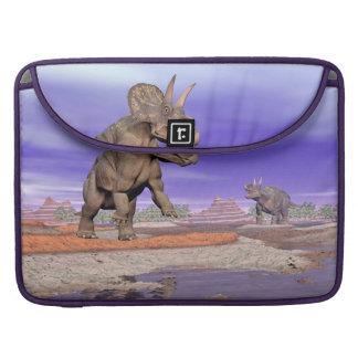 Bolsa Para MacBook Pro Dinossauros de Nedoceratops/diceratops na natureza