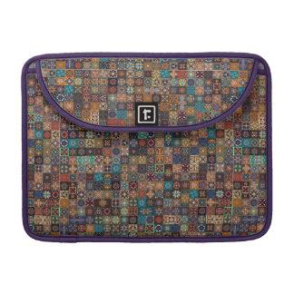 Bolsa Para MacBook Pro Retalhos do vintage com elementos florais da