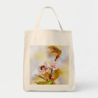 Bolsa Tote Abelha em uma flor da cereja