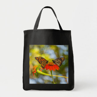Bolsa Tote Borboletas de monarca em Wildflowers