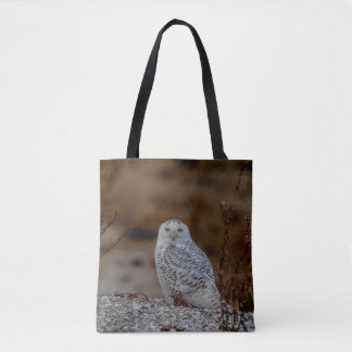 Bolsa Tote Coruja nevado que senta-se em uma rocha