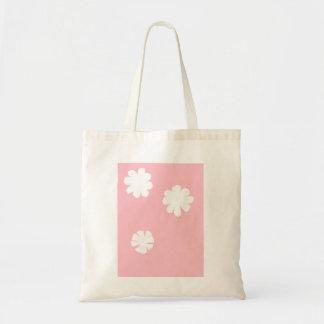 Bolsa Tote Flores brancas no fundo cor-de-rosa