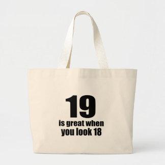 Bolsa Tote Grande 19 é grande quando você olha o aniversário