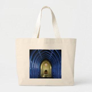Bolsa Tote Grande Arcos na igreja azul