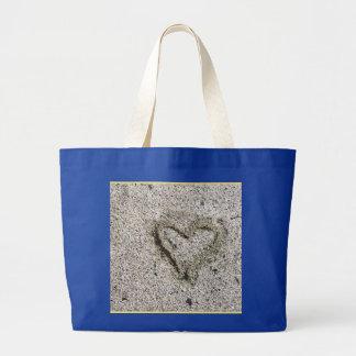 Bolsa Tote Grande Coração romântico na areia