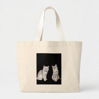 Bolsa Tote Grande Dois gatos britânicos do cabelo curto no fundo