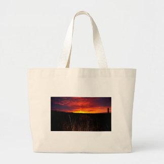 Bolsa Tote Grande Fogo no céu no nascer do sol