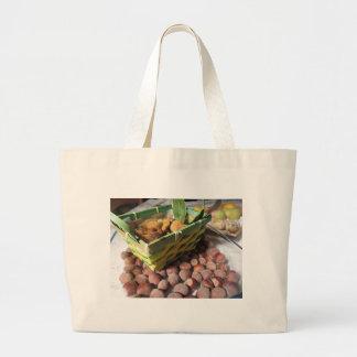Bolsa Tote Grande Frutas do outono com avelã e os figos secados