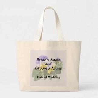 Bolsa Tote Grande Grupo de Pansies amarelos e roxos que Wedding o