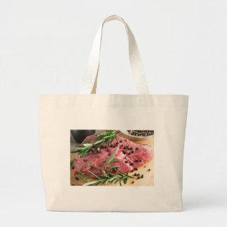 Bolsa Tote Grande Lombinho da carne crua com ervas e especiarias