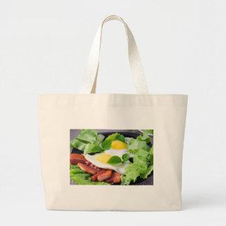 Bolsa Tote Grande Ovos fritos com ervas, alface e bacon