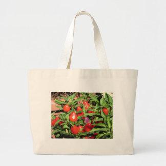 Bolsa Tote Grande Pimentas de pimentão vermelho que penduram na