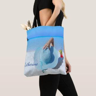 Bolsa Tote Mulher na praia com bebida (nome feito sob