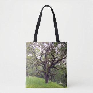 Bolsa Tote O musgo cobriu a árvore