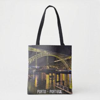 Bolsa Tote Porto - Portugal. Cena da noite perto do rio de