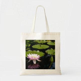 Bolsa Tote Sacola cor-de-rosa da libélula de Lotus Waterlily