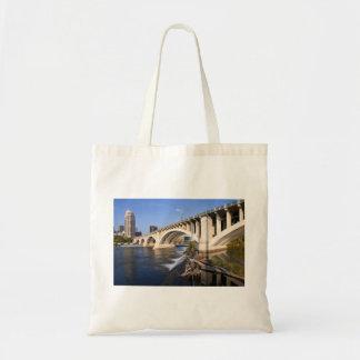 Bolsa Tote Terceira ponte da avenida em Minneapolis