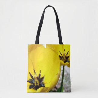 Bolsa Tote Tulipa amarela por todo o lado na sacola do