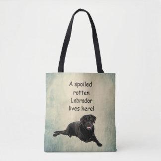 Bolsa Tote Um Labrador podre estragado vive aqui
