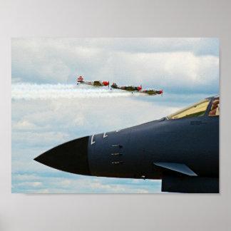 Bombardeiro B-1 e lutadores de WWII Poster