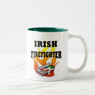 Bombeiro irlandês caneca de café em dois tons