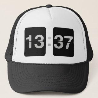 Boné 13:37 do pulso de disparo de L33T
