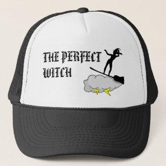 Boné A bruxa perfeita surfa o duro