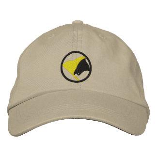 Boné AnCap bordou o chapéu