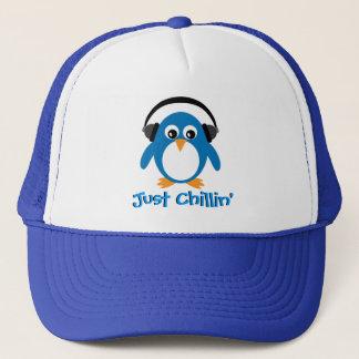 Boné Apenas pinguim de Chillin com fones de ouvido
