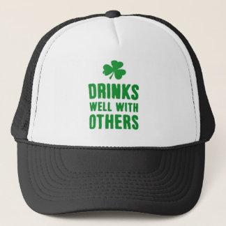 Boné Bebidas bem com outro T do dia de St Patrick