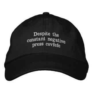 Boné Bordado Chapéu de Covfefe