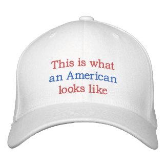 Boné Bordado Que americano olha como
