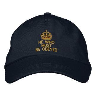 Boné Bordado Que deve ser obedecido mantem a coroa calma