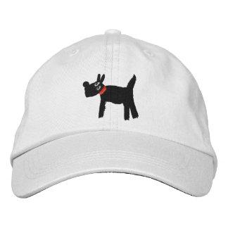 Boné branco do cão de Scotty pelo tintureiro de