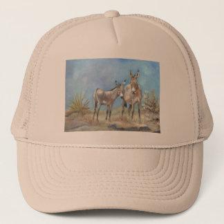 Boné Burros de Oatman no chapéu do camionista