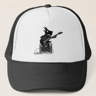 Boné Cabra preto e branco que joga uma guitarra