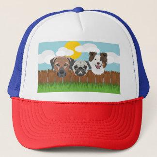 Boné Cães afortunados da ilustração em uma cerca de