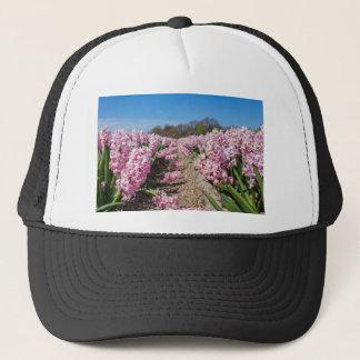Boné Campo de flores com os jacintos cor-de-rosa em