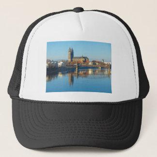 Boné Catedral de Magdeburgo com rio Elbe 01