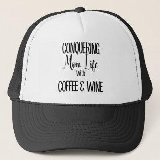 Boné Conquistando MomLife no café & no vinho